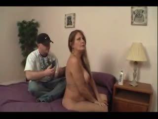 Mama needs sex de la nu fiu wf