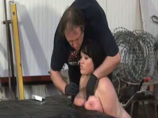 nominale marteling thumbnail, plezier pijn scène, vernedering