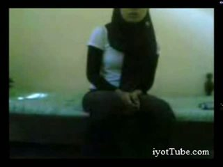 Muslim giovanissima studente a dormitorio parte 1