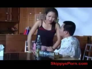泰國 女孩 gets 性交