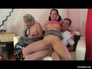 Nenek ffm / dua perempuan satu lelaki bertiga