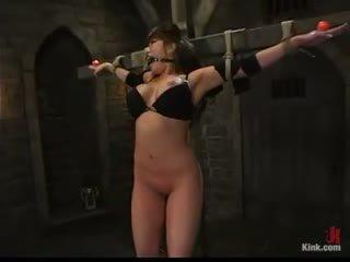 裸, 更多 懒妇, 服从的