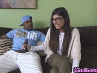 Hottie Babe Mia Khalifa Fucks A Black Dick