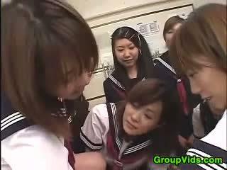18yo aziāti students uz a reverse gangbang