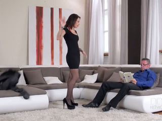 Hot and horny on sex - Porn Video 911