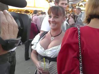 Uly emjekli ýaşy ýeten at oktoberfest, mugt nemes porno 2b