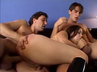groot grote borsten, controleren brunettes porno, controleren milfs neuken