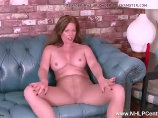 MILF Holly Kiss Rips Open Pantyhose Fucks Her Toy to...