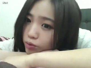 u schattig scène, plezier meisje klem, koreaans gepost