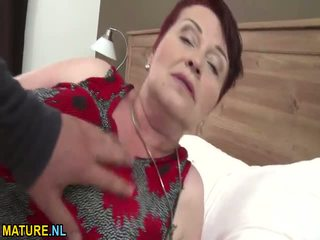 Tohutu titted karvane granny gets banged raske