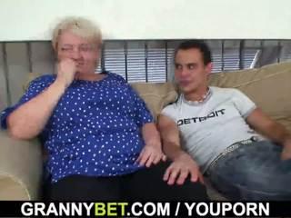 60 years vecchio nonnina sucks e rides