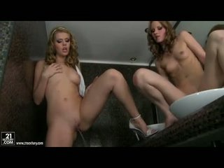 Seksual jana gitta blond loves getting künti and gyzykly in the powder room naked