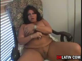 Chubby Latin Mommy Masturbating