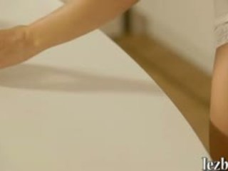 брюнетка кліп, лесбіянка, гаряча аплікатура канал