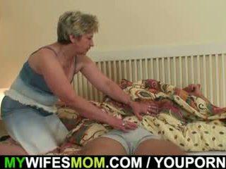 彼の 妻 finds 彼に 力強いビートの mother-in-law!