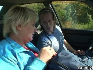 Hitchhiking 70 Years Old Granny Riding Roadside: HD Porn 50