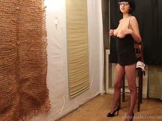 brunette porno, neuken, groot deepthroat porno