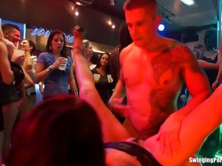 groot brunette mov, orale seks video-, hq groepsseks video-