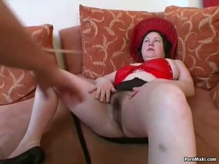 Grand titted potelée mature gets son poilu chatte pounded