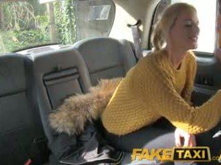 Faketaxi เซ็กซี่ คนดัชท์ minx tries ก้น ใน taxi