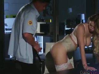 सुरक्षा guard fucks accountant natalia starr में the ऑफीस
