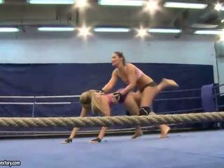 check lesbian, lesbian fight best, muffdiving all