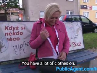 realiteit actie, blondjes gepost, online buitenshuis actie
