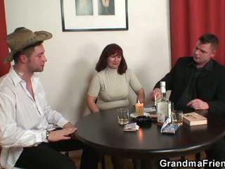 Senelė double penetration po card žaidimas