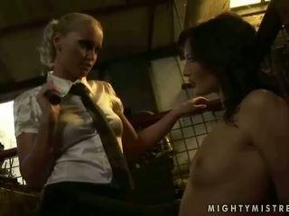 vernedering, voorlegging porno, groot minnares vid