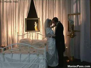 Newlyweds Fuck in Honeymoon Bed, Free Porn 4c