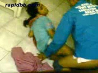 Horký northindian dívka zkurvenej ji bf v domácí