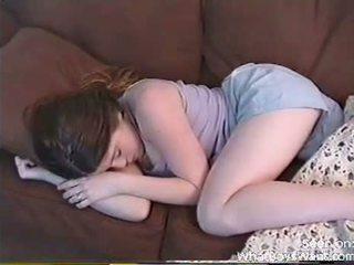 Kåta flickvän gets kåta medan hon sleeps