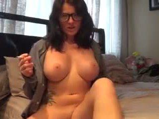 een grote borsten, echt roken, masturbatie film