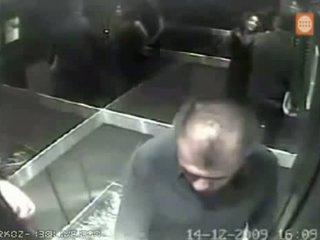 Casados infieles infieles en el ascensornicolas lucar y m