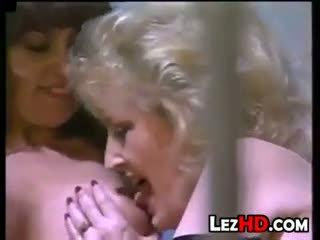grote borsten film, kwaliteit oma porno, likken scène