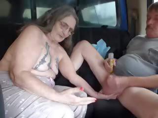 plezier grannies porno, matures tube, vers handjobs