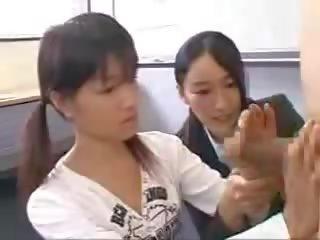 Tittenfick und Bumsen mit der vollbusigen Asiatin Suzuna Komiya