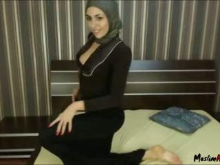 Arab hijab فتاة needs كوك