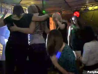 Tüdrukud wants kuni fuck the sõjavägi dancer