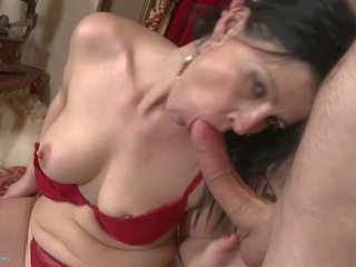 Desperate housewives imaista ja naida nuori boys: vapaa porno 2c