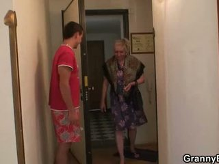nagymama, nagyi, érett