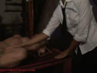 Señora punishing caliente rubia