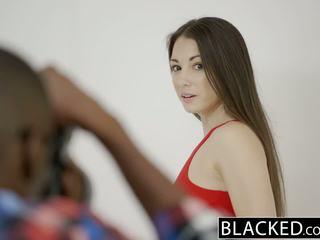 Blacked pusaudze alexis rodriguez ar ideālas pakaļa loves bbc