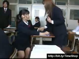 Japoniškas sustabdyti laikas mokykla merginos