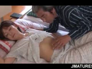 Reif asiatisch hausfrau given ein süß morgen muschi lecken