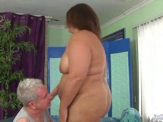 Sexy Plumper gets Her Fat Body Licked and Massaged: Porn 12