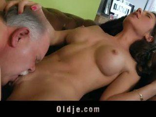 Γριά butler εξυπηρετούν σεξ να του spoiled κυρία αφεντικό