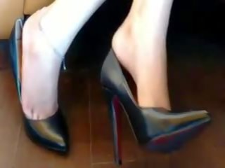 Dangling and Toe Cleavage, Free Mobile and Free Mobile Tube Porn Video