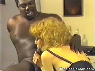 Negra jefa follando pelirroja puta