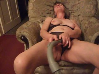 Vacuum Fun: Free Amateur & Wife Porn Video 3a